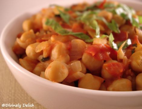 Chickpeas with Tomato