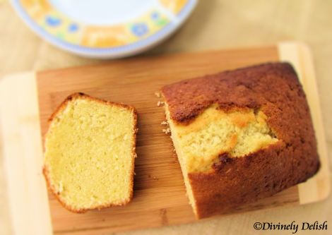 IMG_0672_pound cake top view copyrighted